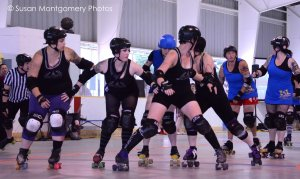 Ann Arbor Roller Derby, defensive preparation - Shutter speed priority, ISO 3200, 1/500 sec