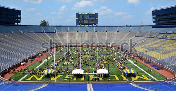 Shooting stock photos – Michigan Football Youth Day!