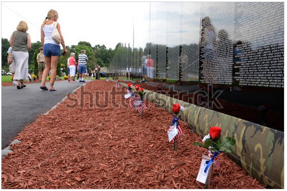 Shooting stock photos – Traveling Vietnam Memorial exhibit